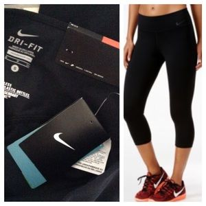 NIKE - Dri-Fit Legendary Crop Athletic Legging